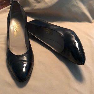 Ferragamo dress shoes size 10